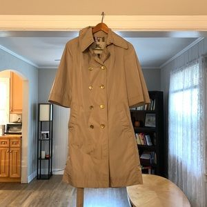 $990 Burberry trench coat women's sz 8